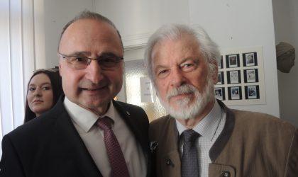 Veliki   razgovor   Mladena   Pavkovića   s   dr.   Tomislavom  Djurasovićem, bivšim hrvatskim političkim emigrantom i publicistom…